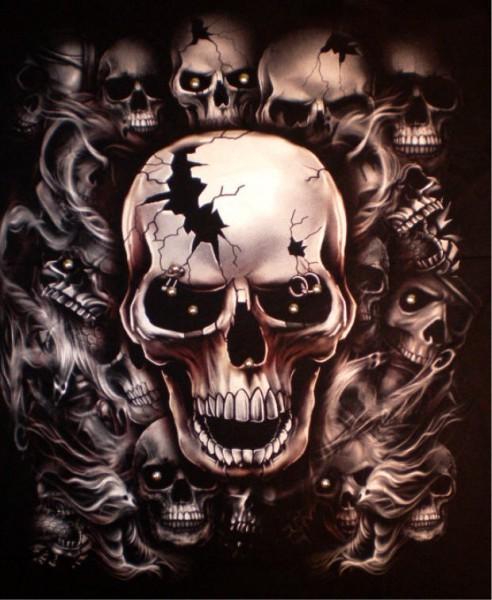 T-Shirt - Skulls - Glow in the dark mit Nieten