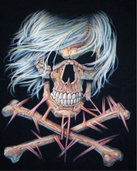 T-Shirt Skull and bones